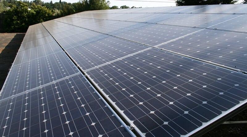 Resultatet efter rengøring af solceller og solpaneler